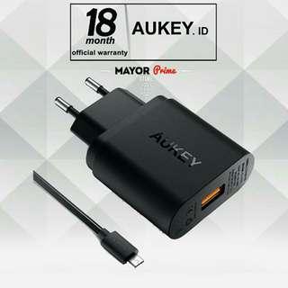 AUKEY PA-U28 Quick Charge