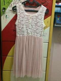 Dress Simple Pink Putih
