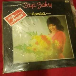 Gaya Zakry Vinyl Record / Piring Hitam