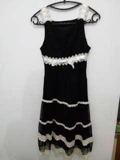 Dress Hitam Caroline Kosasih