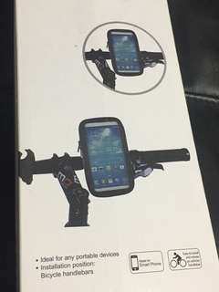 Weather resistant bike mount for handphone