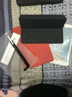 IPad Pro 12'9 Smart Keyboard and Apple Pencil for sell