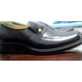 Sepatu Pantopel Buccheri Original Black size 42 LIKE NEW