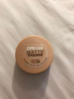 Maybelline Dream Matte Mousse in Pure Beige