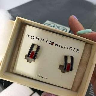 Tommy earring