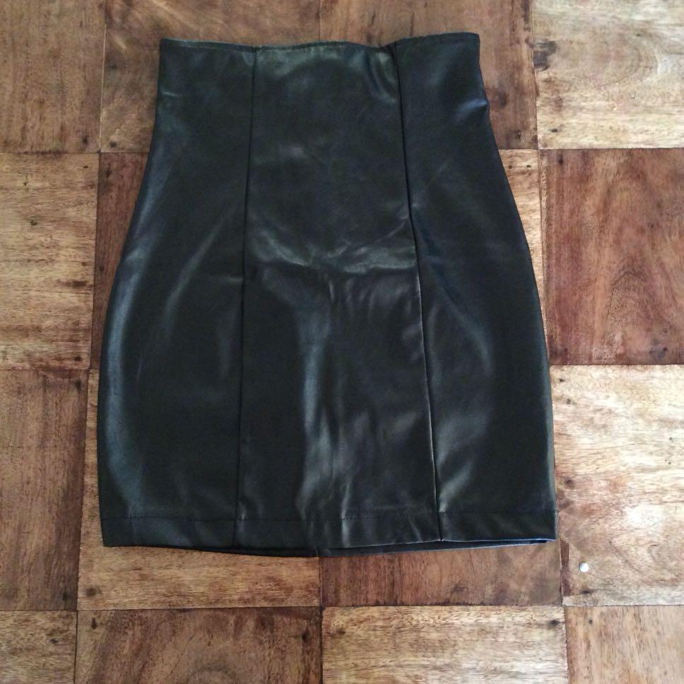 Fashion Nova High/w Skirt