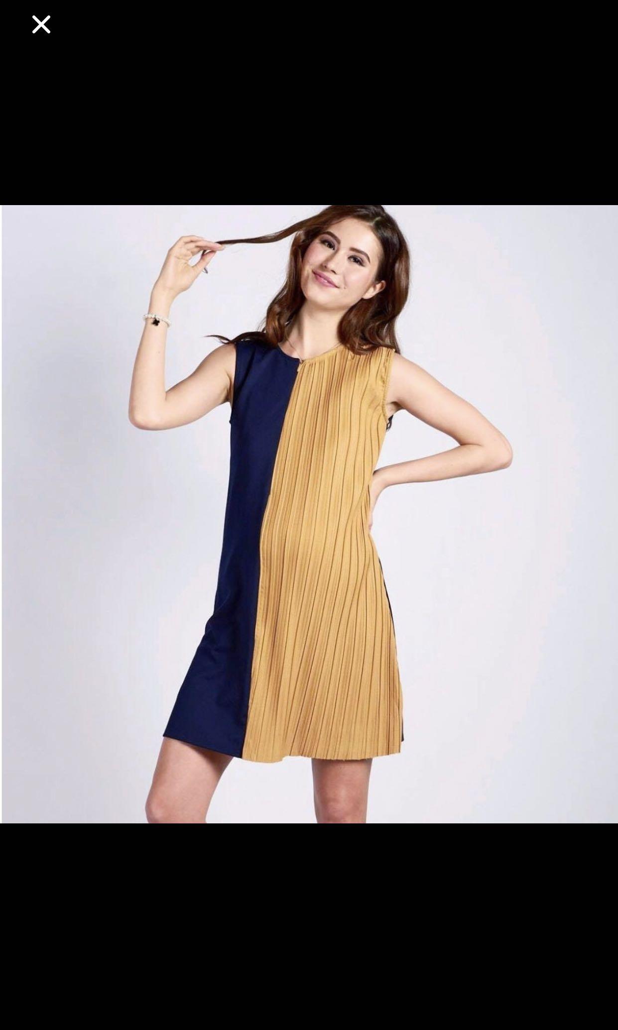 e0271ffbe28187 JEC navy sleeveless half pleat nursing dress