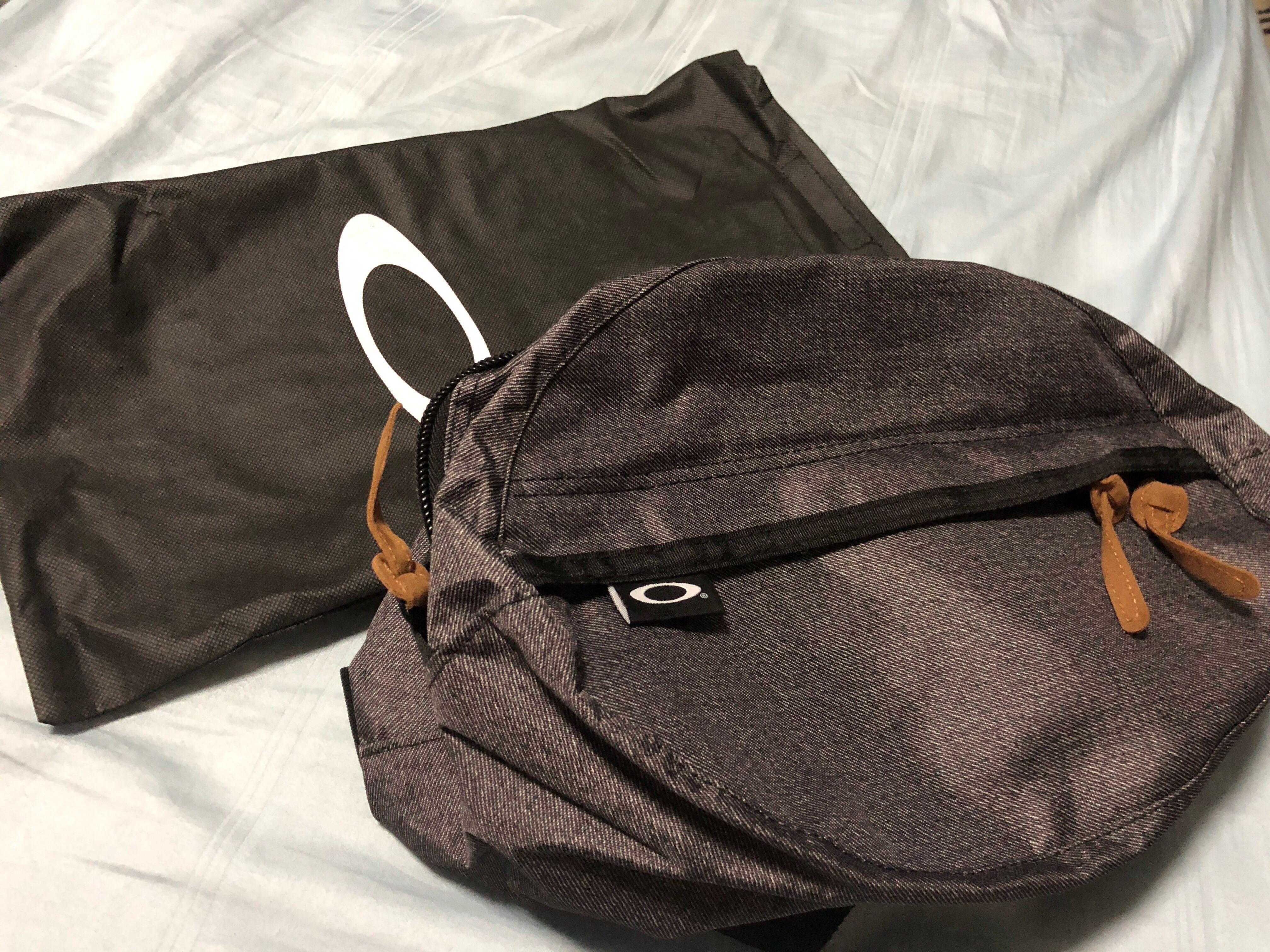 Oakley Waist or Sling Bag ce4f1fe4c59e9