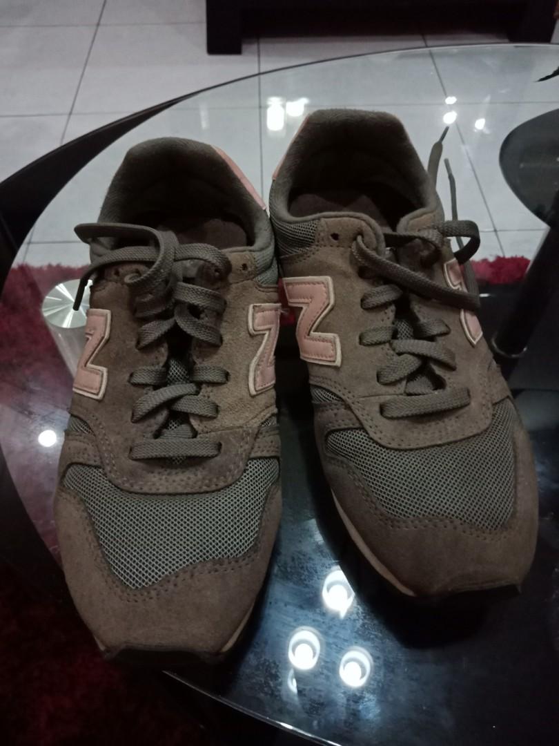 Sepatu olahraga new balance ori 19fb0b20e1