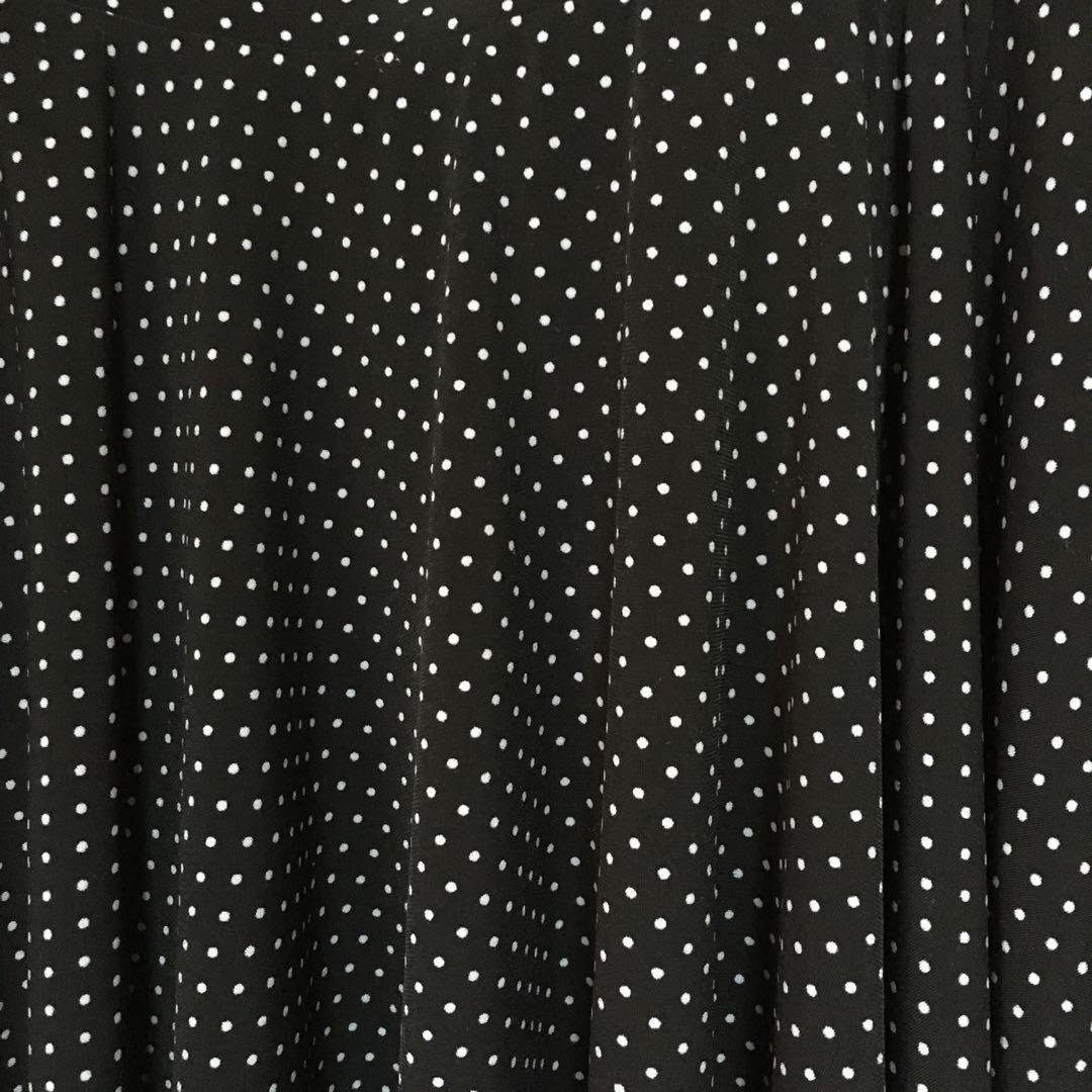 6e9d721984 UNIQLO | Blue & Black Polkadot Mini Skirt | 418-EB01 on Carousell