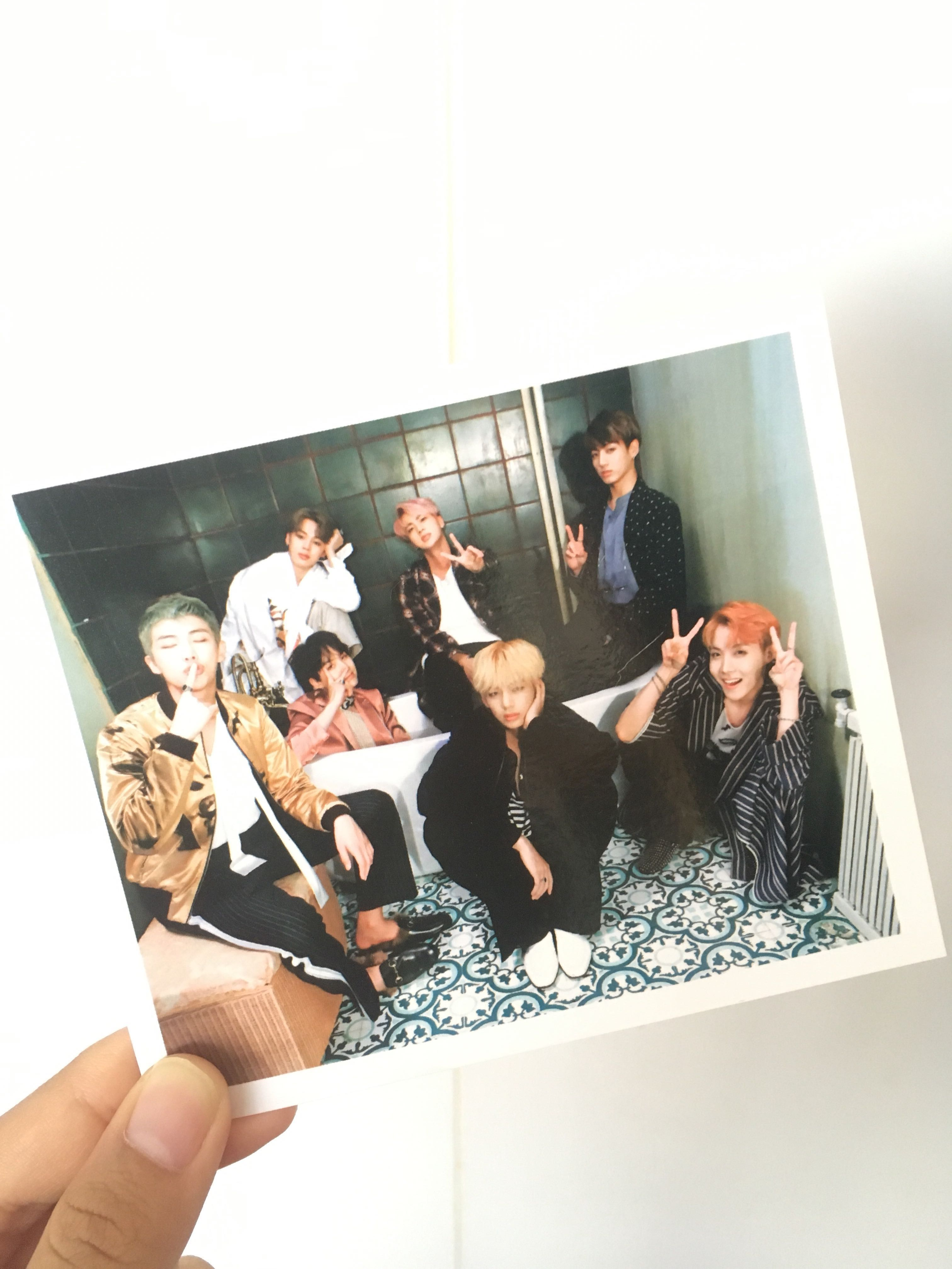 wings group photocard 1528115515 c39d3cd3