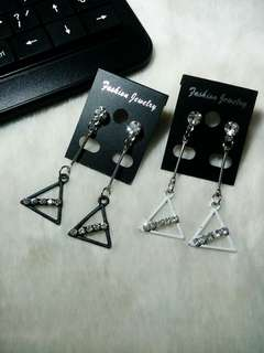 Ready !!! Anting Juntai Segitiga Permata