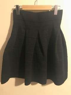 HM black skirt