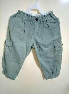 淺绿色儿童褲