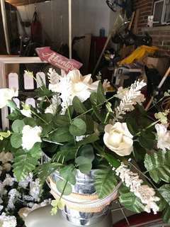 14 Vases with artificial flowers$25 each