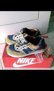 Jual sneakers