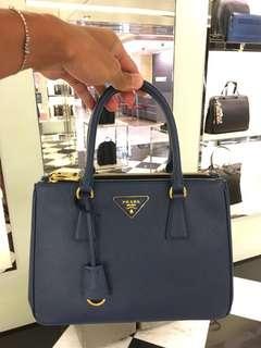🚚 PRADA經典麗仕包 28cm 藍色