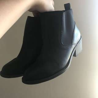 CALL IT SPRING black Chelsea boots
