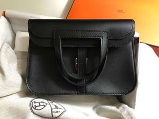全新 brand new Hermes Halzan mini 22 black not 31 (size似Chanel classic mini)
