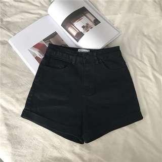 🚚 黑色高腰短褲