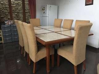 Meja makan 8 kursi dengan batu marmer bagus