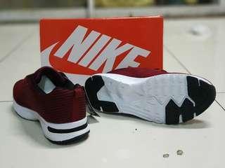 Nike zoom winflo graypink