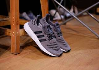 Adidas Swift Run ORIGINAL #mausupreme