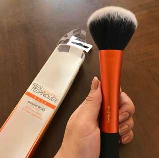 REAL TECHNIQUES BRUSH