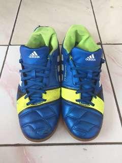 Sepatu Futsal-Adidas