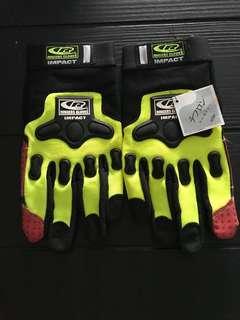 Ringers glove impact