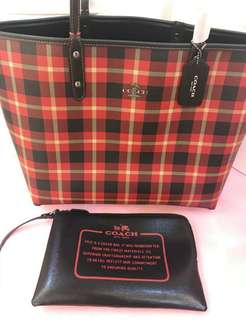 AUTHENTIC COACH  RIVERSIBLE  2WAYS IN PLAID  TOTE BAG