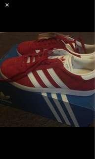 Adidas gazelle red size 7 men's (8.5-9 women's)