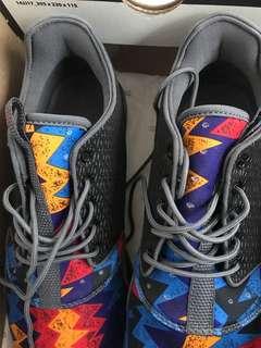 Jordan Eclipse Size US 10 Multi Coloe