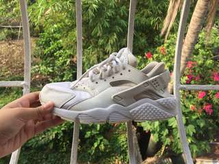 Nike Huarache triple white