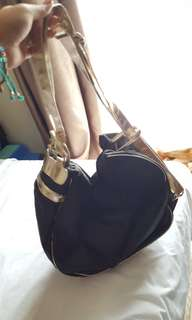 Tas Oriflame Black Gold