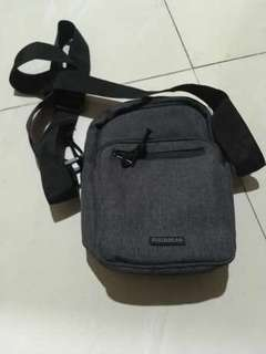 sling bag pull and bear original