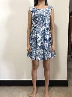 Lace dress with unique details