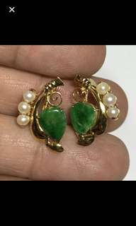 18K/750 Yellow Gold {Collectibles Item - Vintage Jade Earrings} Vintage 18K/750 Yellow Gold Beautiful Green Peranakan Jade 老坑玉 Earrings With Pearls
