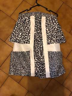 Cameo sz m high waisted skirt