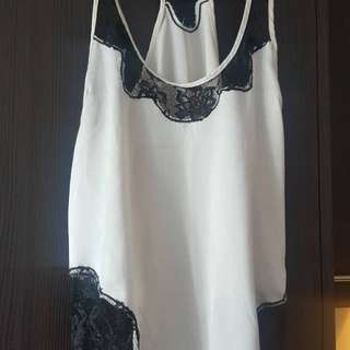 Size M nude silky top with lace