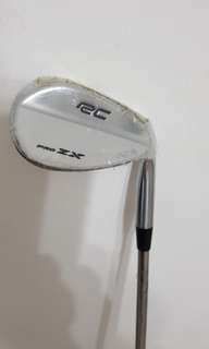 Golf wedge 52'
