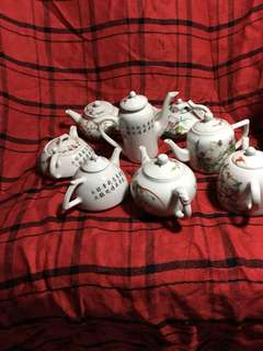 New Famille rose small Teapots with With peaches n flowers decoration. Clearing all 8 pieces at 100.