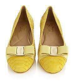 very good condition Authentic Ferragamo Python Varina yellow flats - 5.5 - fits 6