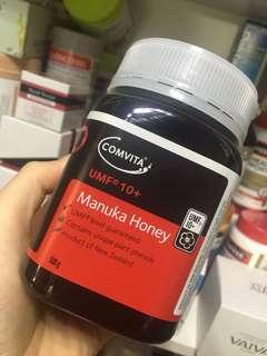 🐝Comvita康維他麥盧卡蜂蜜 10+ 500g🎈完全不同概念的蜂蜜,世界上唯一的麥盧卡只存在於新西蘭。富含獨特的UMF抗菌活性物。麥盧卡蜂蜜有醫療價值,甚至超越傳統的抗菌藥物,被譽為「蜜中極品」。有慢性胃炎必入👍🏻UMF值越高抗炎抗菌效果越好,日常保養喝5+就可以,胃不好喝10+ ,嚴重胃病喝15+,好評如潮,值得體驗❤