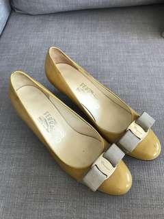 very good condition Authentic Ferragamo yellow patent low heel pumps- 5d - fits 5-5.5
