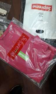 Hoodie Supreme  fw 17 magenta size l