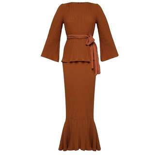 Looking for Lubna pleated