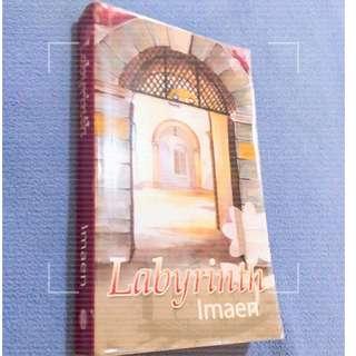 Novel Melayu : Labyrinth
