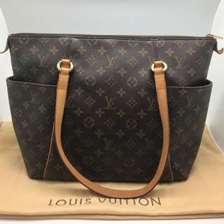 Preloved Authentic LV Totally MM Monogram 2009