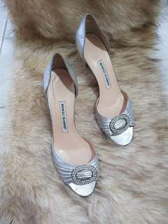 Authentic Manolo Blahnik Peep Toe Silver Pumps Size 39